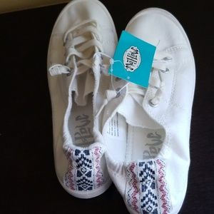 Mad love Sneakers Sz 6 NWT